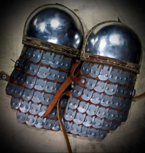 Spaulders for Byzantine2 armour