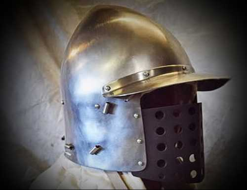"Salade with ""bellows"" visor. XV A.D."