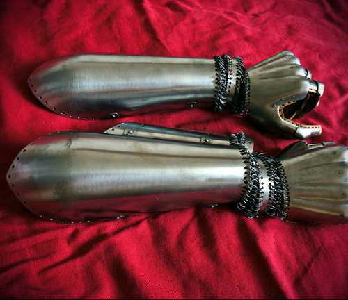 Vambraces with elbows for medieval fight.