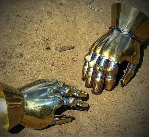 Milanese gauntlets with fingers, XIV-XV A.D.