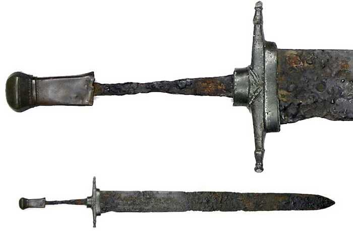 Byzantine militarist.  Mediterranean swords of the Arab-Byzantine type.